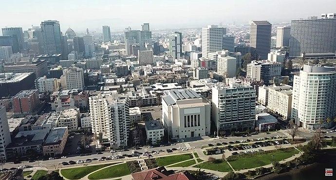 690px Oakland California