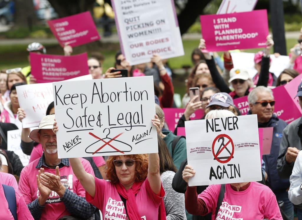 191011 Abortion Rights Protest California Ac 752p 3cb826f944ebdfa44d44b32811e2af4a 1024x748