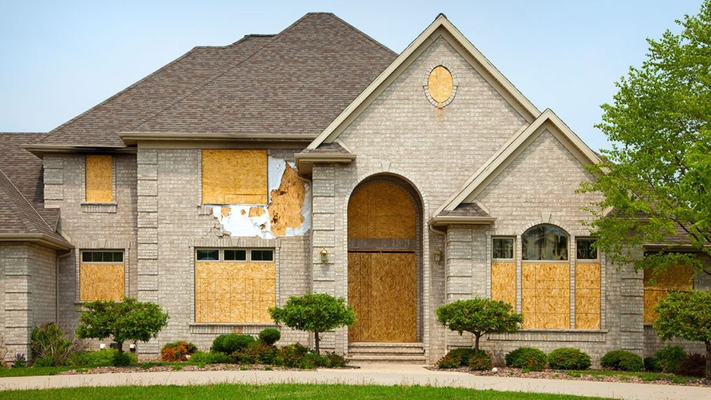 9 Tips For Buying A Foreclosed Home 1024x576